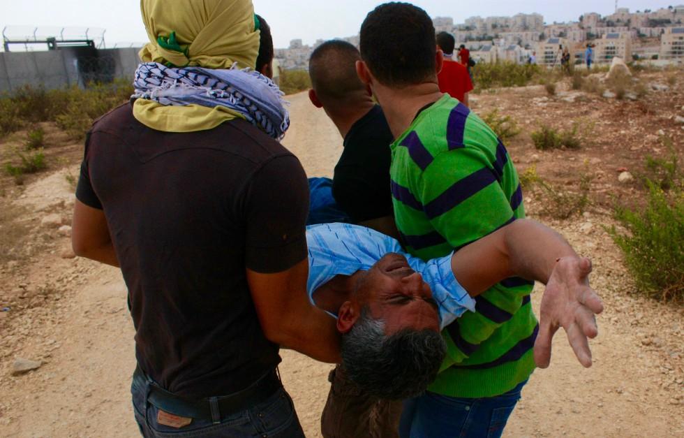 Fra Bil'in, demonstrant skutt i foten før demonstrasjonen var ordentlig i gang.